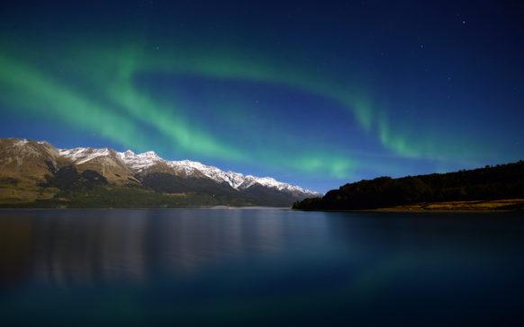 mac_wallpaper_aurora_mountains