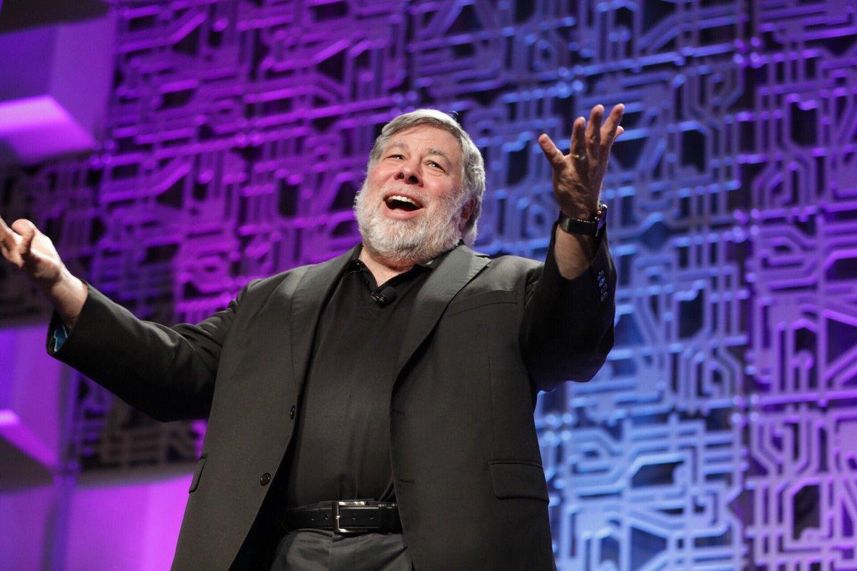 Steve Wozniak's 'Woz U' Programming Bootcamp Faces Flack for Shoddy '$13,000 E-Book' Courses