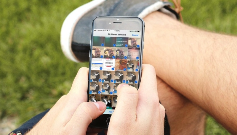 How To Quickly Select Multiple Photos on Your iPhone or iPad Without All That Tapping