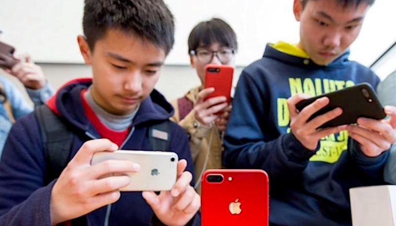 New Report Claims Chinese Officials Install Spyware on Foreigners' Android Devices, Downloading Data From iPhones