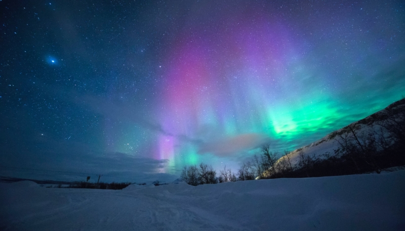 Wallpaper Weekends: Northern Lights Wallpaper for Mac, iPhone, iPad, and Apple Watch