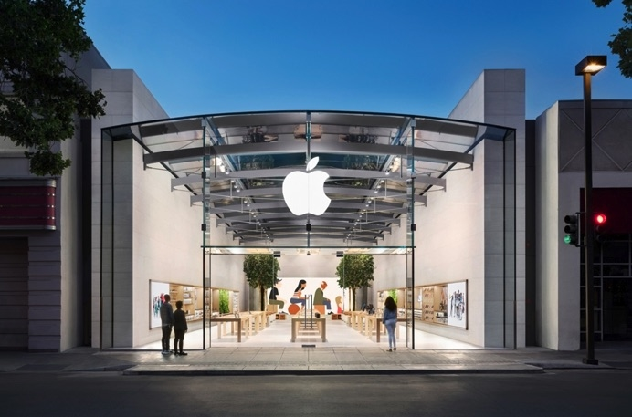 California Authorities Issue Arrest Warrants for 17 People in $1M California Apple Store Theft Ring