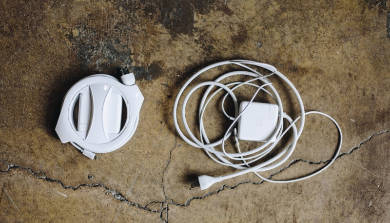 Review: Side Winder – Portable Cable Management for Your MacBook