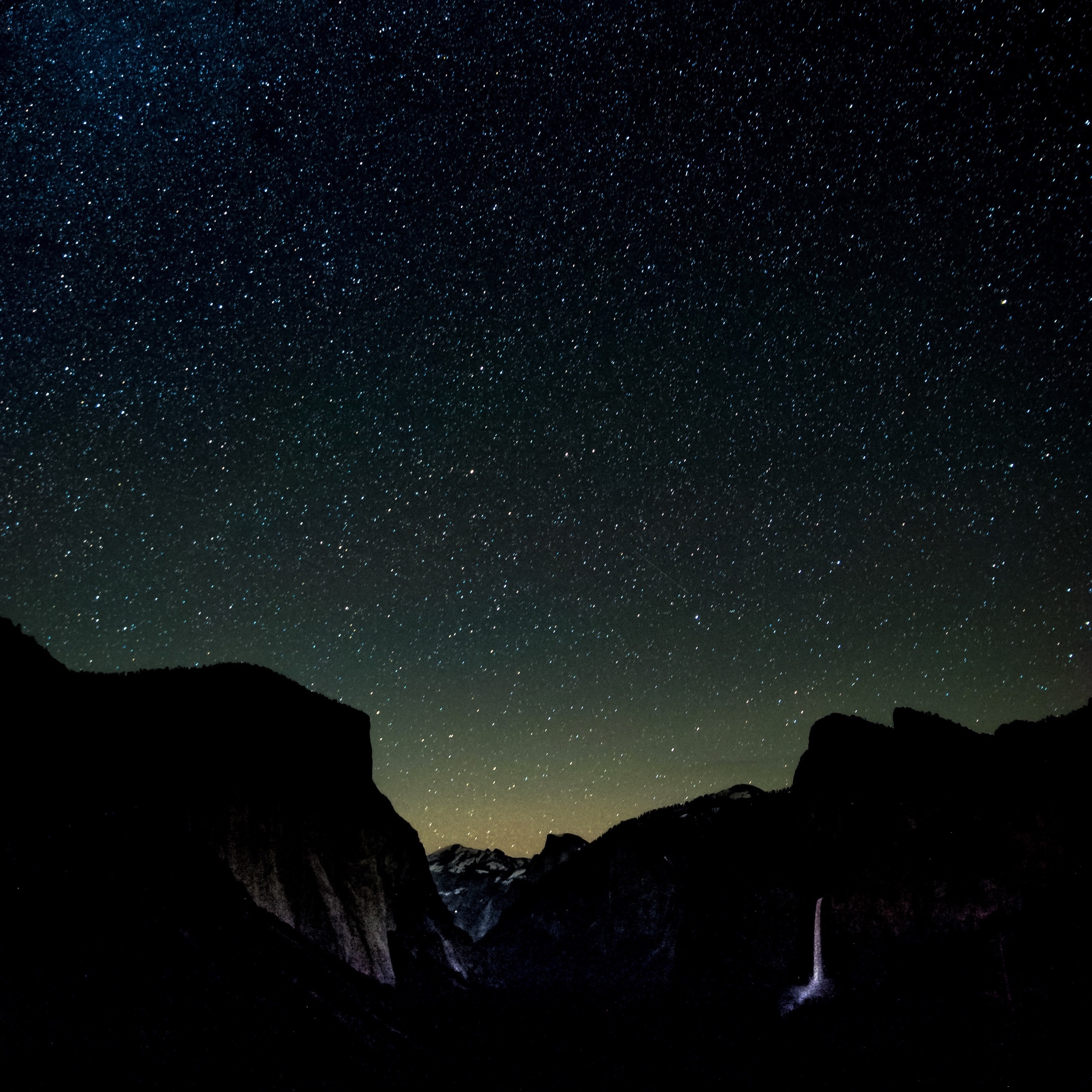 Wallpaper Weekends: Starry Night Wallpapers for iPhone