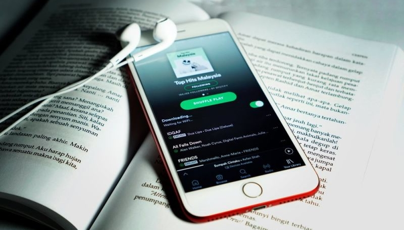 Spotify Subscriber Numbers Twice That of Apple Music