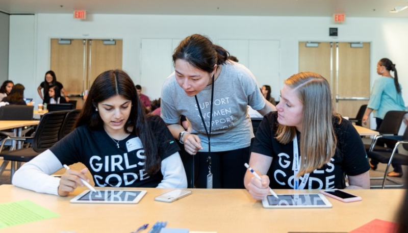 'Girls Who Code' Announces New Swift Coding Tutorials Option