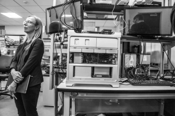 Manhattan District Attorney Oversees $10 Million Lab Built With One Thing in Mind: To Crack iPhones
