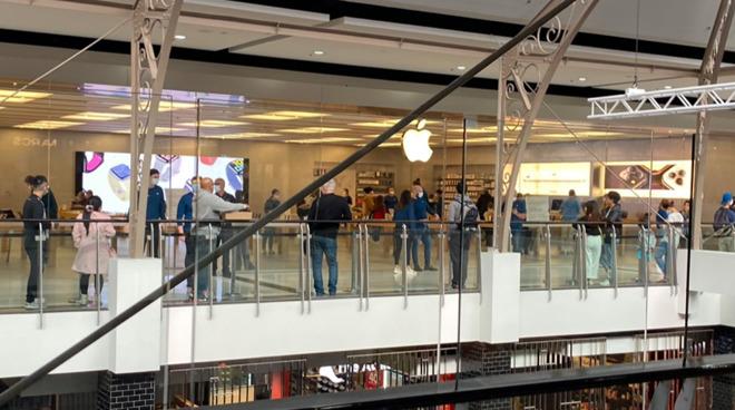 All Australian Apple Stores Reopen