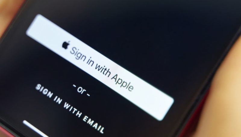 United States Department of Justice Investigating Apple for 'Sign in with Apple' Button