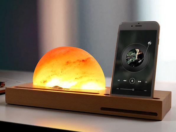 MacTrast Deals: Mantova Lamp & Wireless Charger