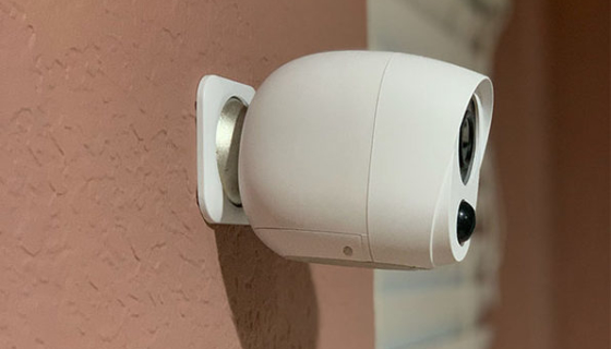 Crorzar Anywhere - Rechargeable WiFi Security Camera